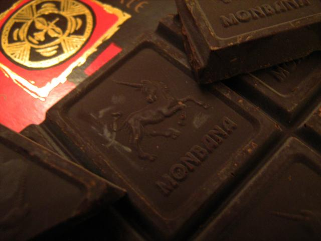 monbana csokoládé kakaóbabbal
