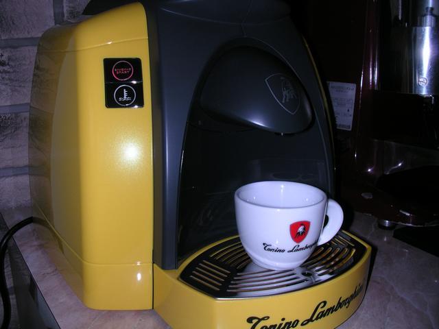 lamborghini opera kapszulás kávégép bemutató