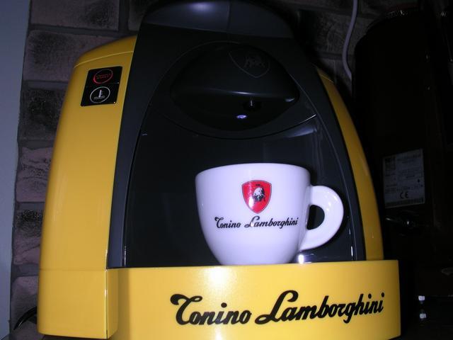 lamborghini opera kapszulás kávégép xenonled