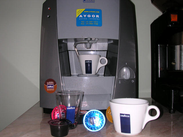 lavazza blue lb1000 kávékapszulás gép kávékapszulákkal