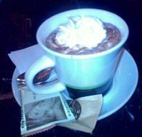 BookCafe - Budapest, Andrássy út kávézóteszt forró csoki