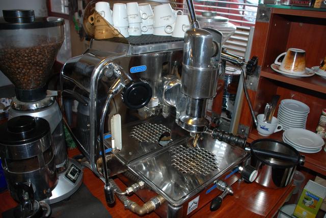 il moretto kávé kis éd nagykereskedés faema kávégép