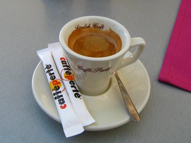 Lordok Caffé  Tejbár és Kávézó eszpresszó