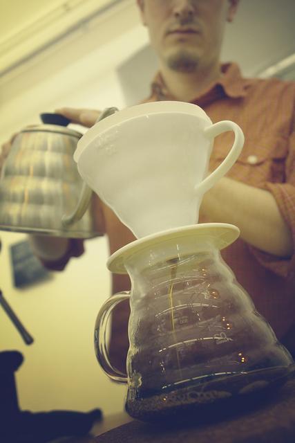 Várady Tibor hario v60 kávékészítés