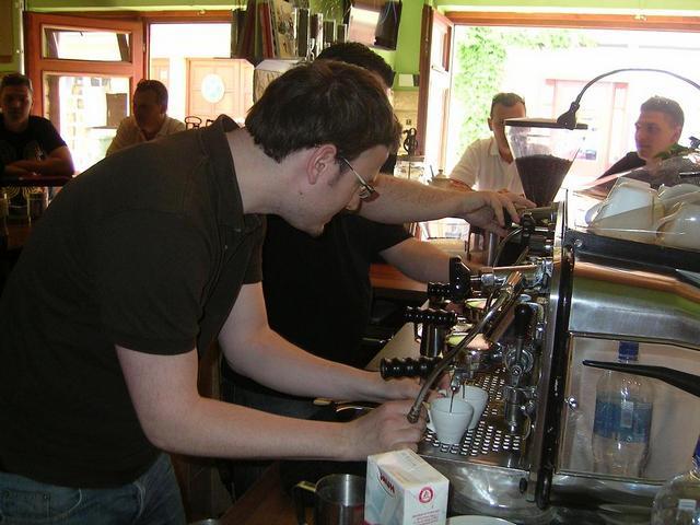 gramm prix latte art verseny versenyzők