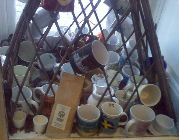 farger kávézó teszt bögrék