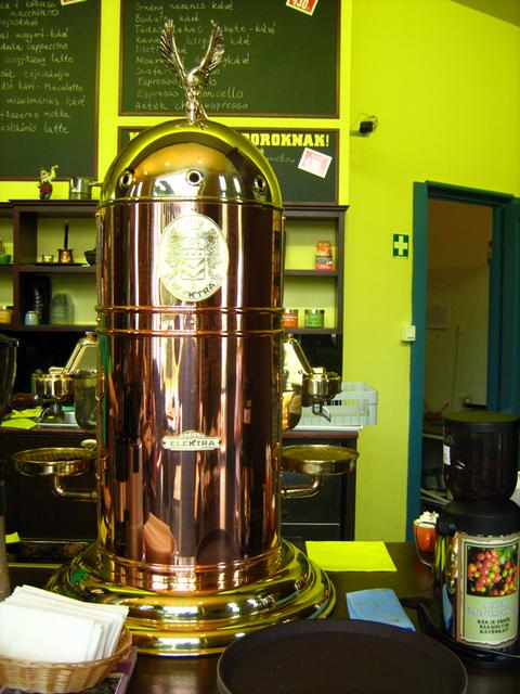 cafe frei bibliotheca kecskemét elektra