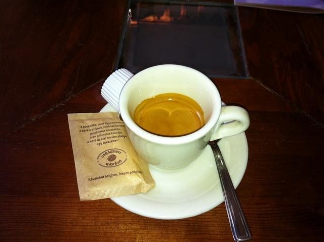 csészényi kávézó budapest eszpresszó