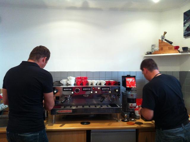 doggee barista oktatás molnár attilával kávékészítés
