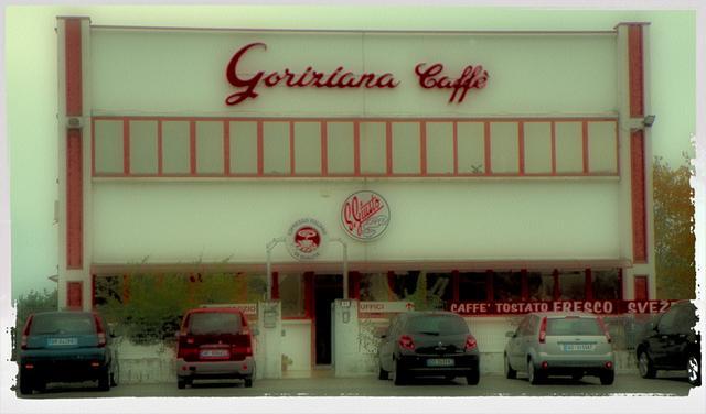 goriziana kávépörkölő bejárat