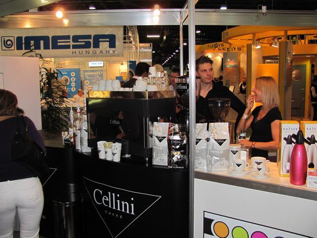 cellini stand a hoventán baristákkal