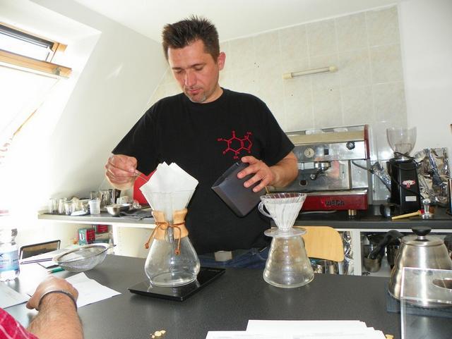 barista tanfolyam a kávé házában chemex