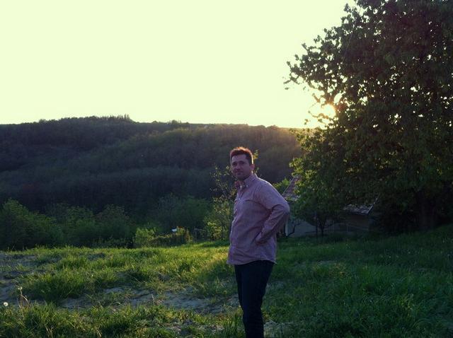 a szekszárdi dombok előtt