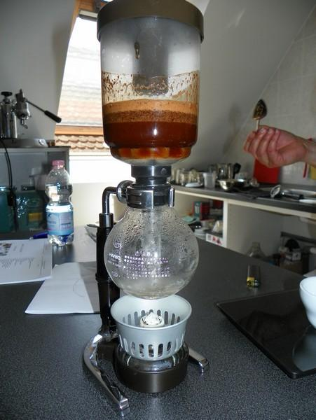 barista tanfolyam a kávé házában szifon