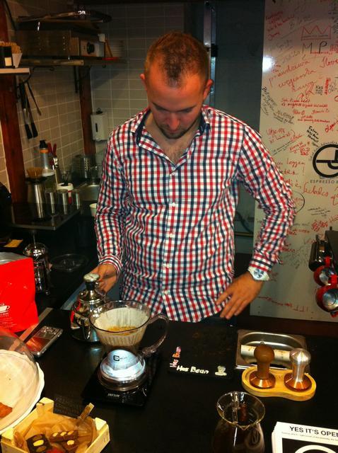 tamp & pull kávékorzó workshop hario