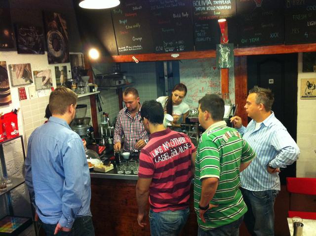 tamp & pull kávékorzó workshop a pultnál