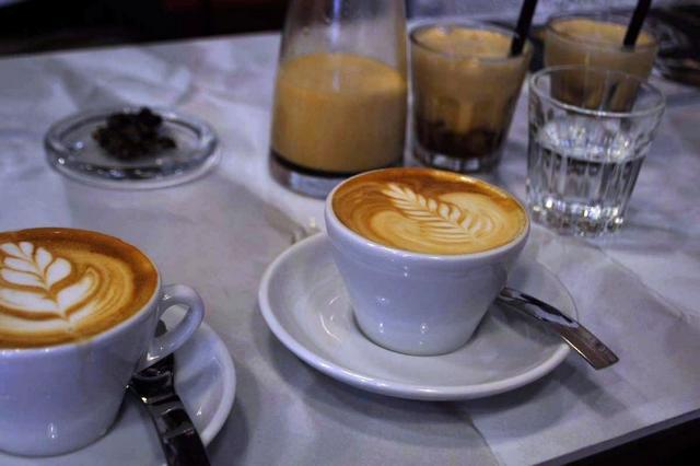 tamp & pull kávézó kapucsínók