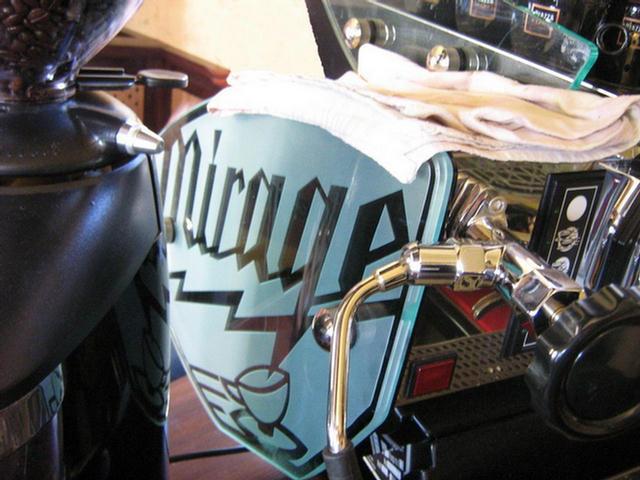 bodoky kávéműhely kávézó mirage kávégép