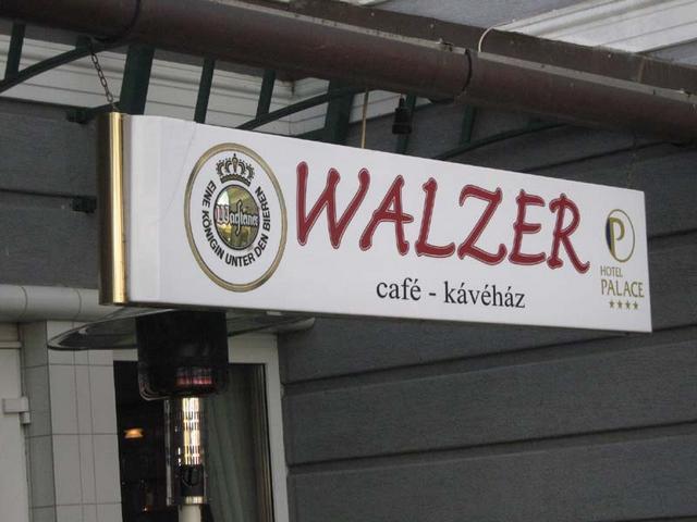 walzer kávézó hévíz palace hotel bejárat