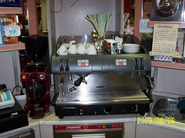 kapuczíner kávémanufaktúra győr kávégép