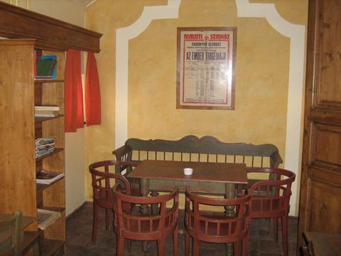 Teatrum kávézó belső tér