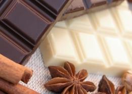 fehér csokoládé és tejcsokoládé