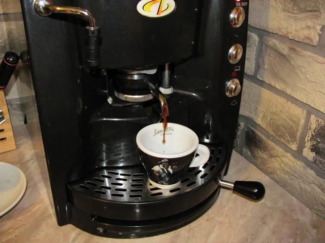lucaffe messico kávé pod kávépárna kifolyás