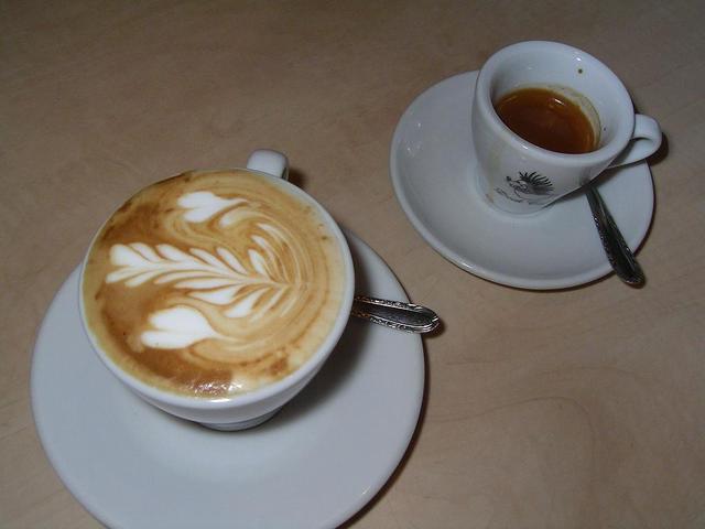dock peller extra kapucsínó latte art