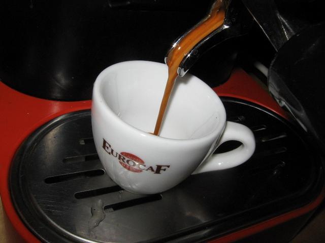 eurocaf espresso italiano szemes kávé kifolyás