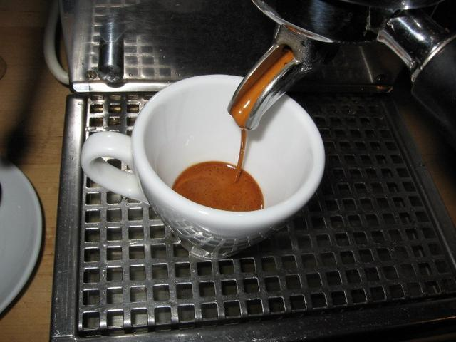 kapucziner kávémanufaktúra espresso italiano csapolás