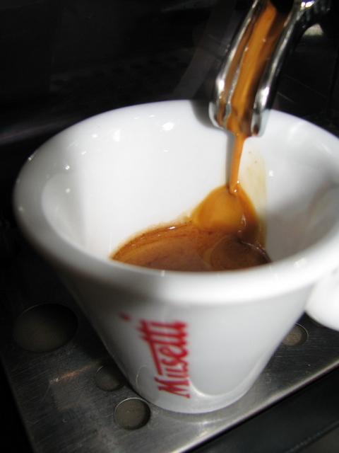 musetti grand cru kávé kifolyás