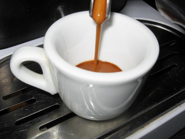roen gran bar kávéteszt kifolyás
