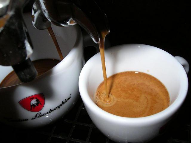 lamborghini kávé csapolás