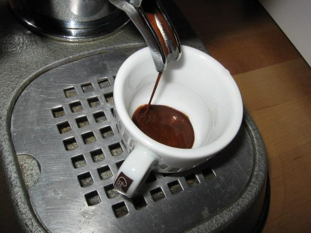 caffe' costadoro szemeskávé teszt pavoni