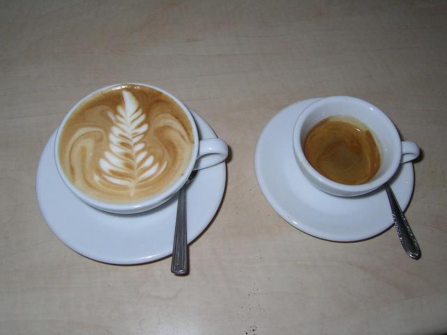 manuel solaroma kávé kapucsínó és eszpresszó