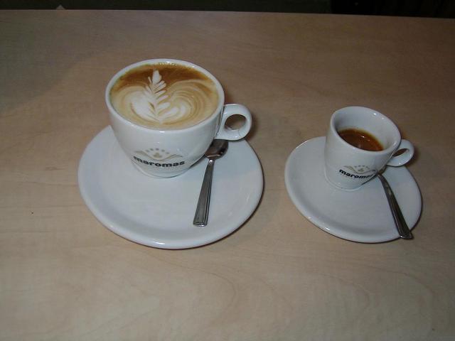 maromas arabea kávé kapucsínó és eszpresszó