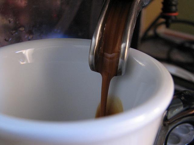 varesina platta kávé csapolás